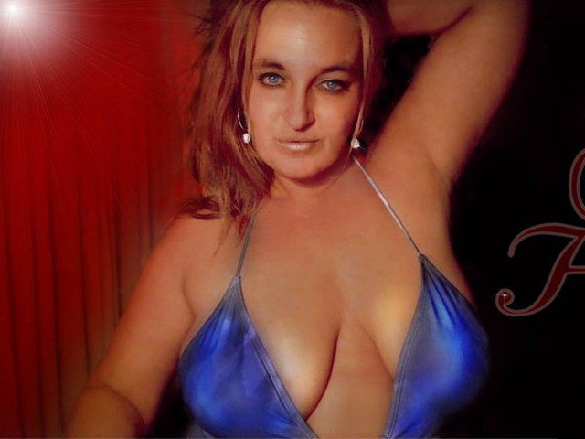 Webcam model Sarah from XCams