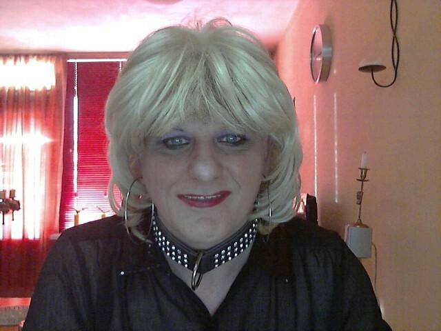 Bekijk de details van camgirl KinkyChantal (44 jaar)