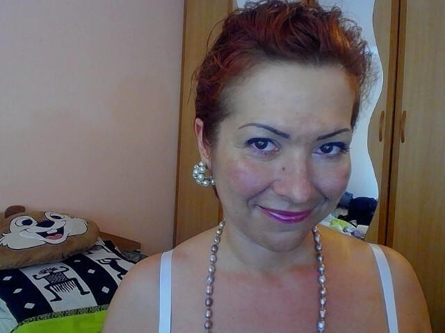 Bekijk de details van camgirl Insatiable (44 jaar)