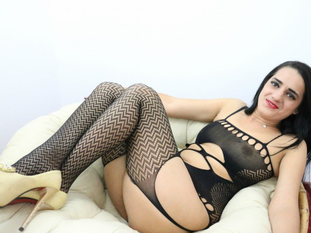 Webcam model SquirtDivine from XCams