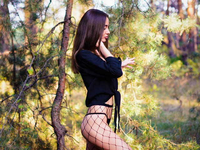 Sex chat or have hot webcam sex with Bellissima4U