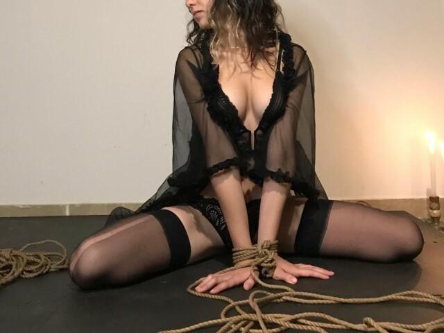 ANNE23 free sexy photo