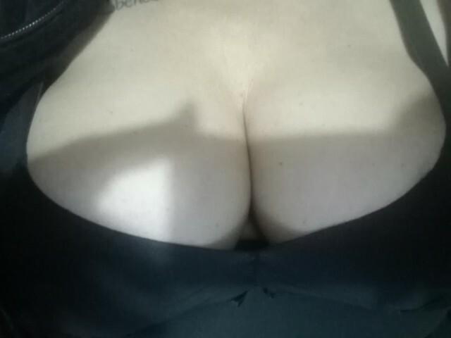 Roxylove1 - sexcam