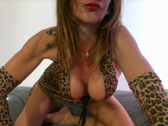 Webcam model bloom from XCams
