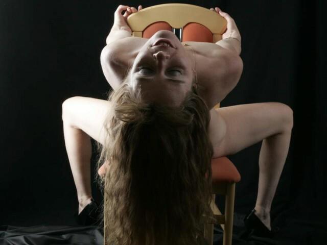 Visit liveMilfi her profile