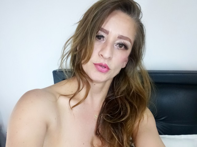 roxanahot08