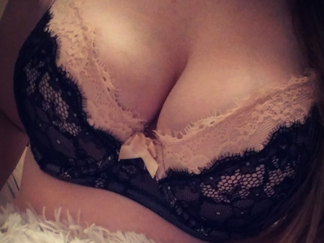 Webcam model Sexymarie82 from XCams