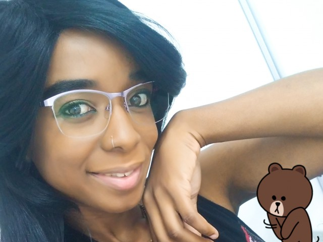 Sex chat or have hot webcam sex with FreyaEbony