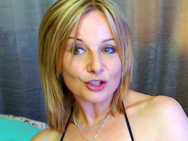 Webcam model CamTequila from XCams
