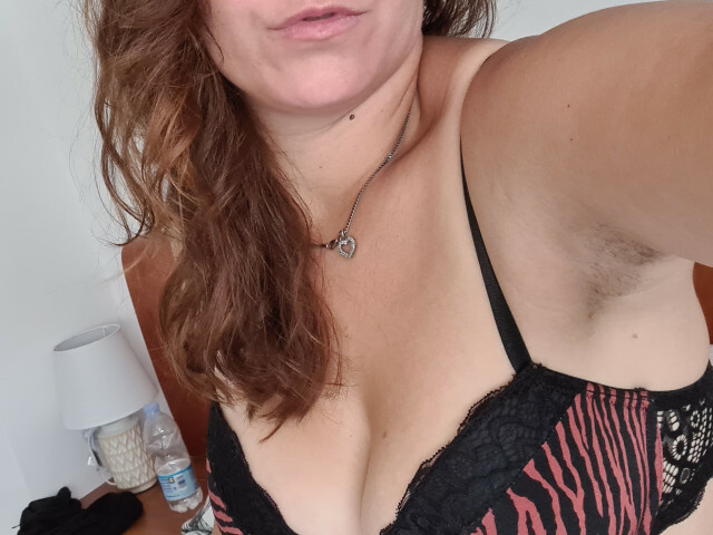 Webcam model LikeHoney from XCams