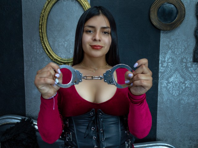 Webcam model Caliopevans from XCams