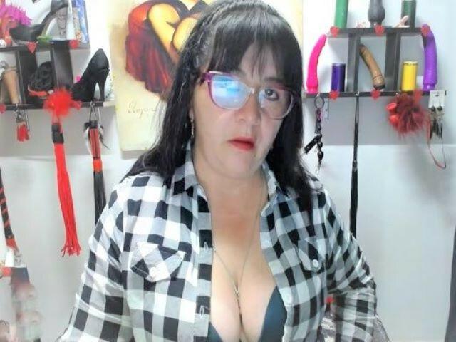 Webcam Sex model SLAVEBRIDGET