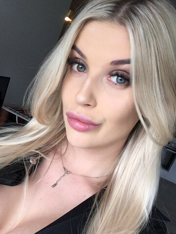 Sexy webcam show met blondechloe