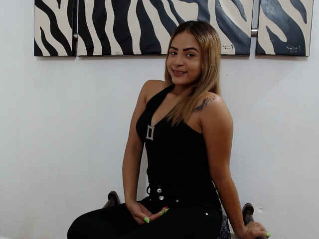 Webcam model LissetMari from XCams