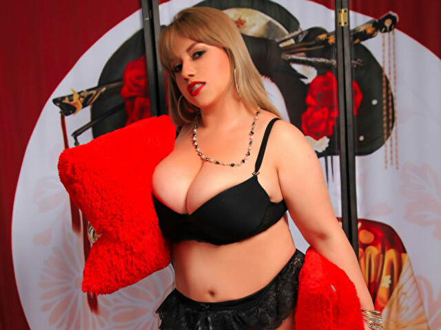 Visit candymilf her profile