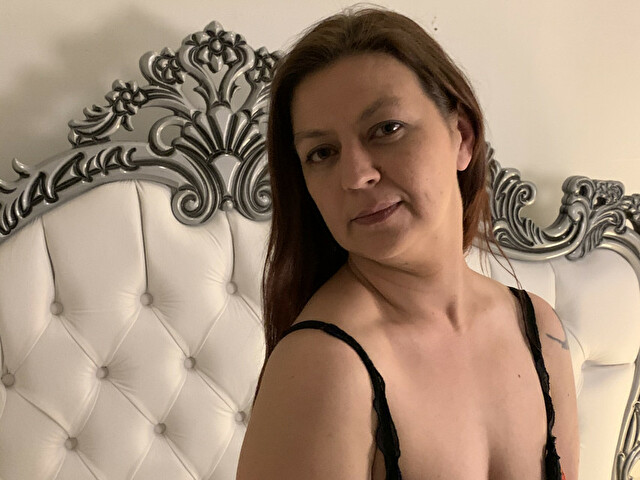Webcam model Laurah from XCams