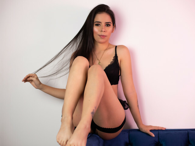 Visit Nikky00 her profile