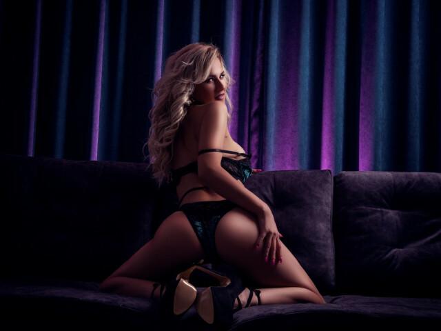 Adelehendrix - sexcam