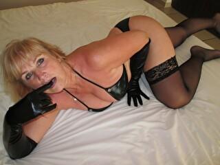 Hornyjeane - sexcam