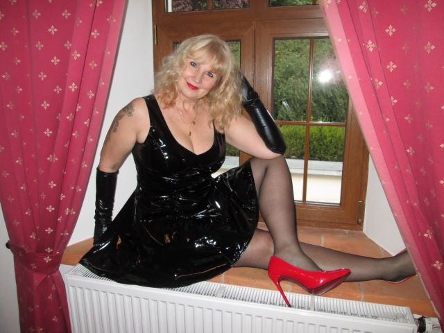 HornyJeane's Chat Room