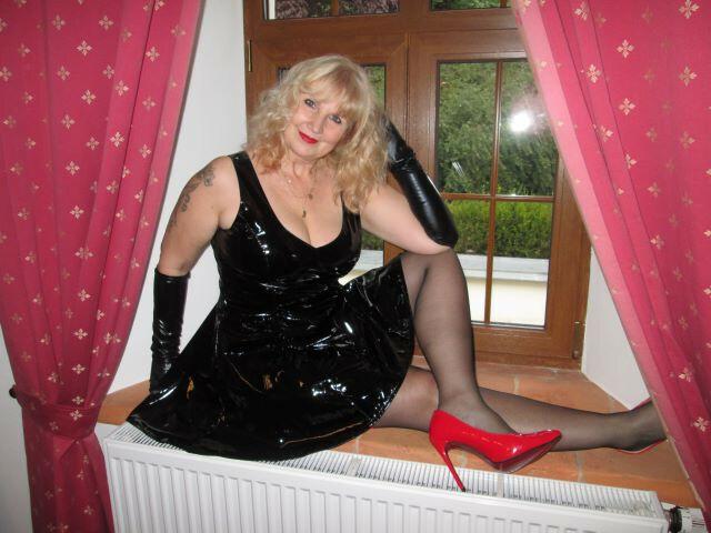 Webcam Sex model HornyJeane