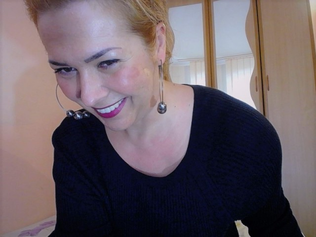 Webcam model 1Milf4U from XCams