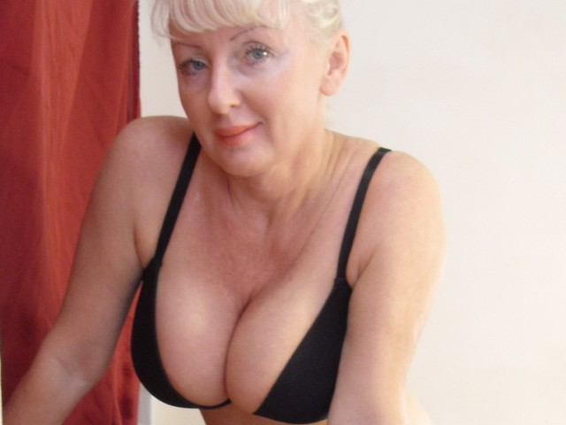 Webcam model HotSexyBlond from XCams
