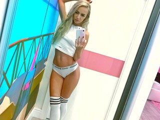 Sexcam avec 'barbiexxxx'