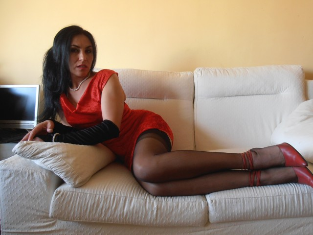 Click on right side on sexphotos to have a meet with Missisadora