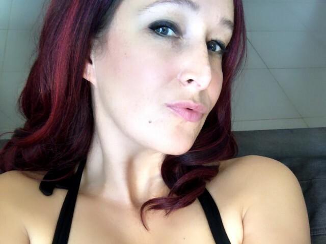 Hotlinsey - sexcam