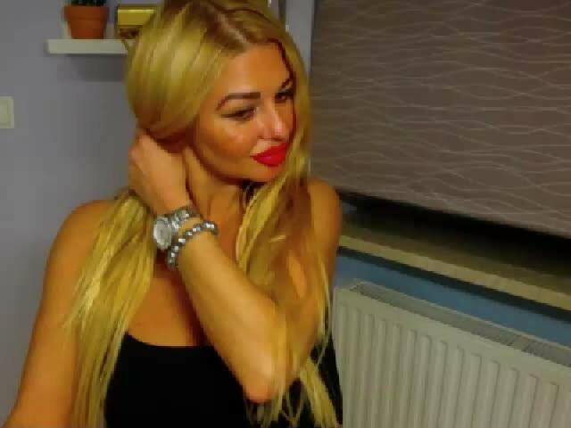 BlondeSuri