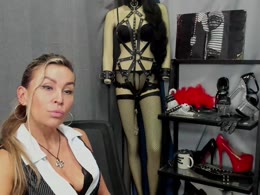 You want online sex with Crystalmutti (woman)? Click on this horny picture to have sex with Crystalmutti (54 jahr)