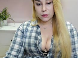 You want online sex with Lovelyhailey (woman)? Click on this horny picture to have sex with Lovelyhailey (22 year)