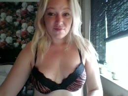 Sweetveerle: giant clitoris, vagina sex, topless