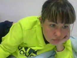 karina2424 is now online