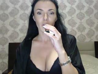 ALEXXIASHAW live cam snapshot