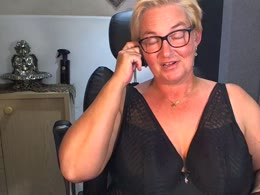 You want online sex with Sarah (woman)? Click on this horny picture to have sex with Sarah (37 jahr)