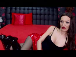 EvelynRosie is now online