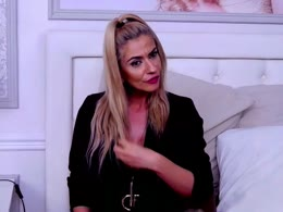 AdelynChase is now online