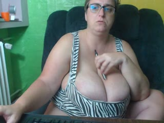 BOOBS44K live cam snapshot