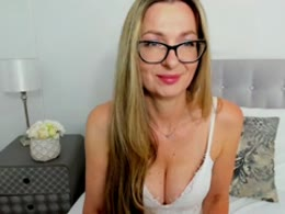 You want online sex with Tessdream (woman)? Click on this horny picture to have sex with Tessdream (40 year)