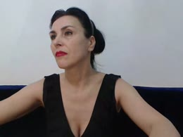 MissIsadora is now online