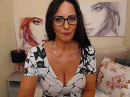 SophieSexxy is now online