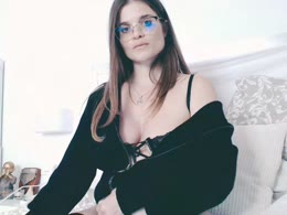 You want online sex with Nadona (woman)? Click on this horny picture to have sex with Nadona (27 año)